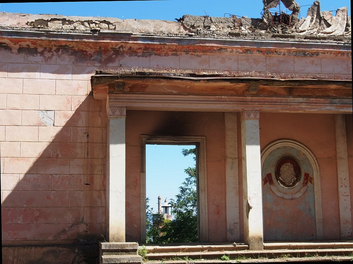 Shushi i minaret w oddali | Górski Karabach