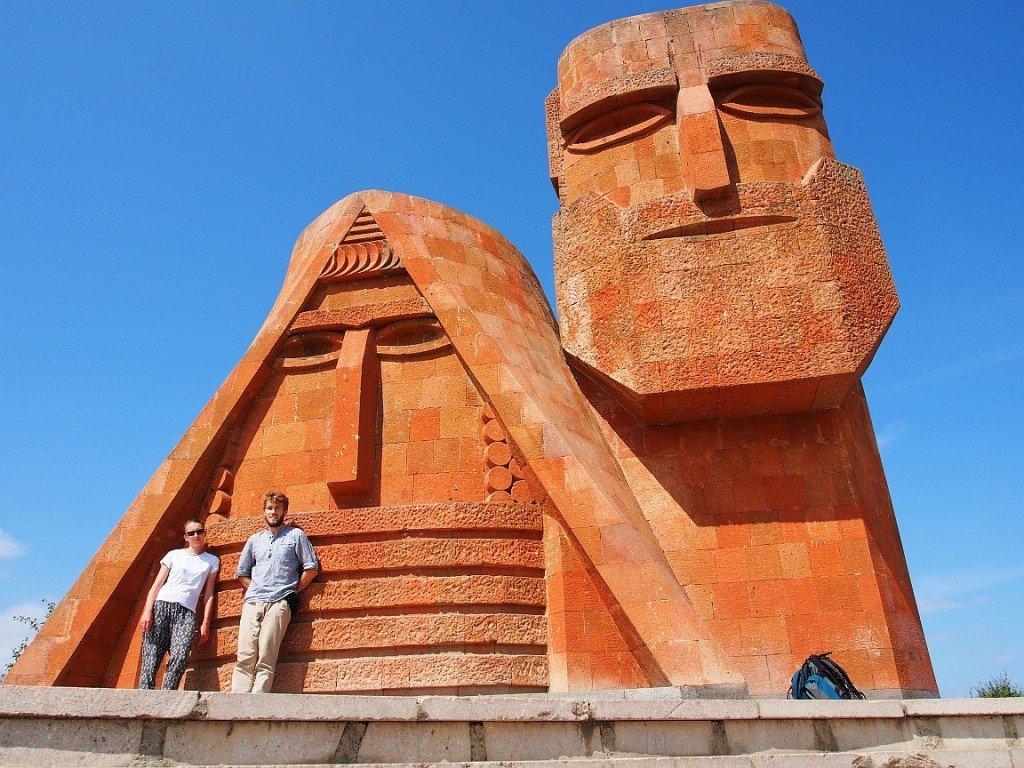 Tatik i Papik - symbol Górskiego Karabachu