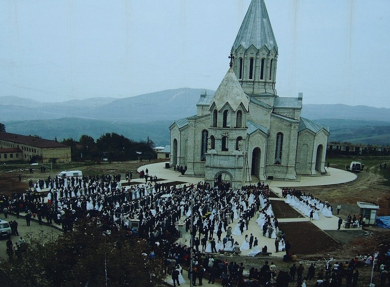 Katedra Ghazanchetsots w Shushi - państwowy ślub | Górski Karabach
