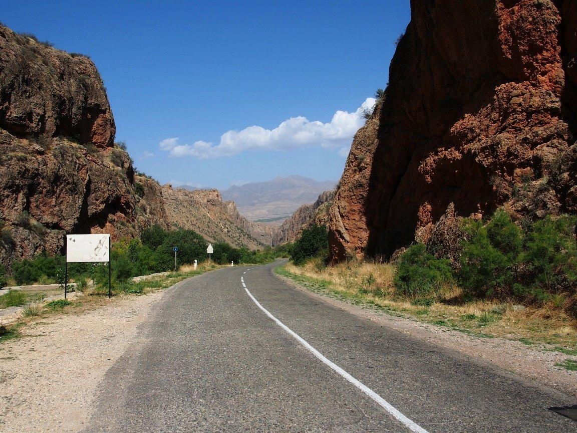 Droga do monastyru Noravank